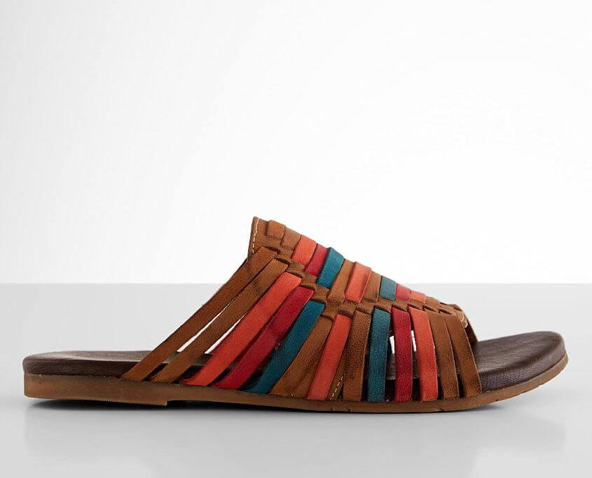 Roan by Bed:Stu Marilee Leather Sandals