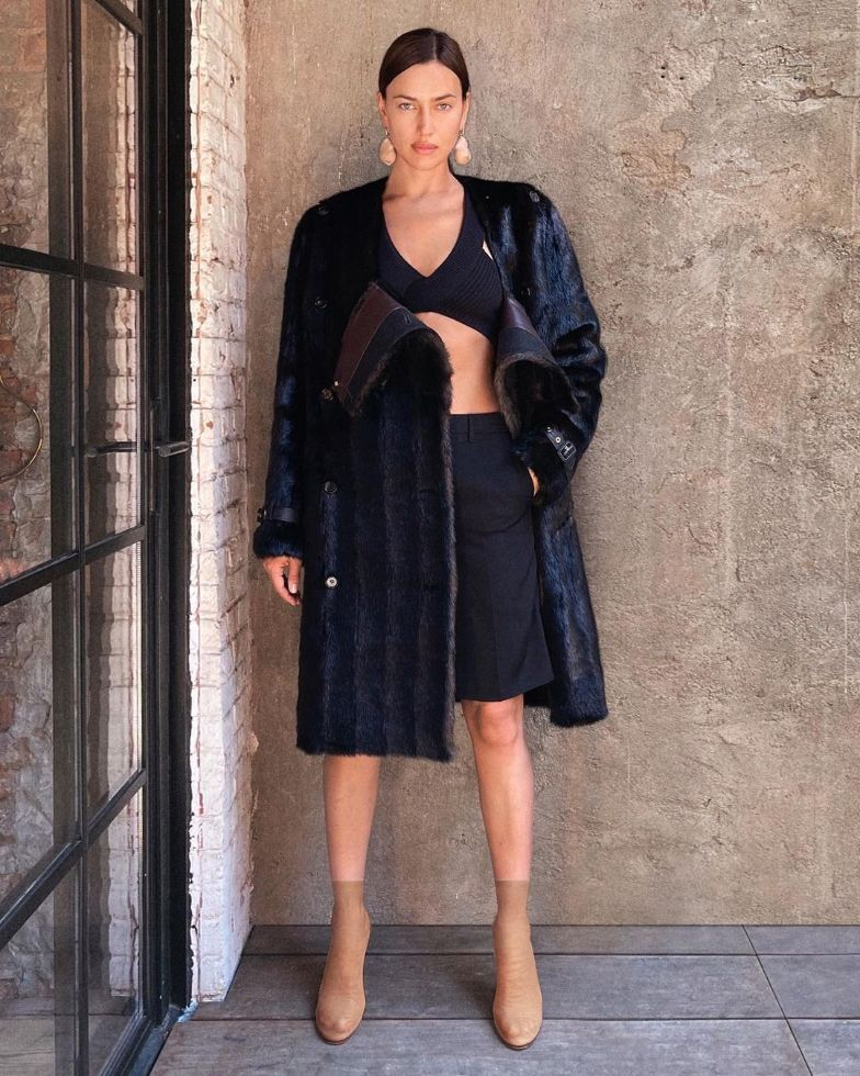 irina shayk, leather coat, dress, heels, burberry, fall 21, model, mesh