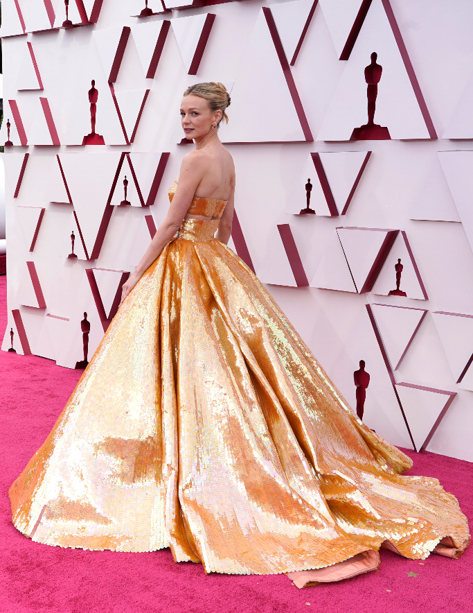 Carey Mulligan, Oscars 2021, Gold Two Piece