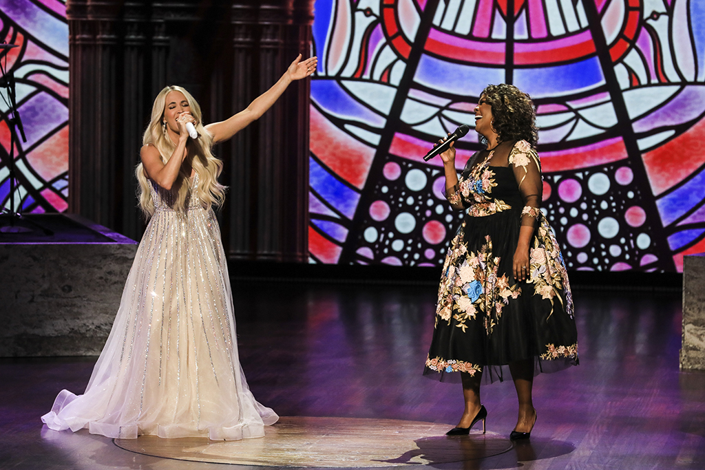 Carrie Underwood and CeCe Winans, ACM Awards, 2021