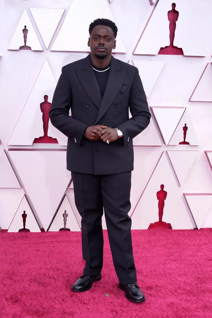 Daniel Kaluuya, Navy Suit, Oscars 2021
