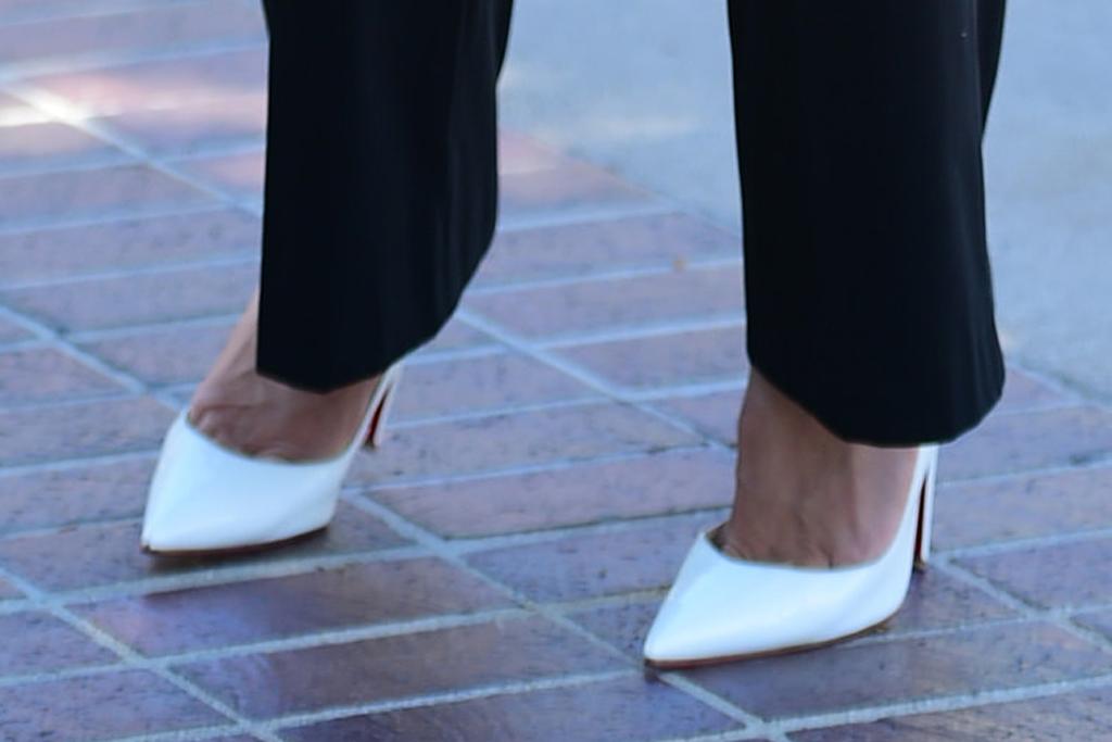 heidi klum, pants, crop top, americas got talent, heels, white, t-shirt, agt, los angeles