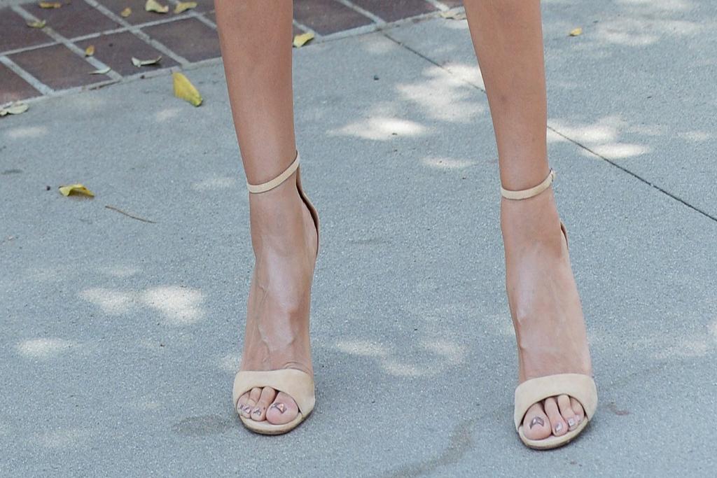Heidi Klum, Nude Heels, Beige Sandals, AGT, LA