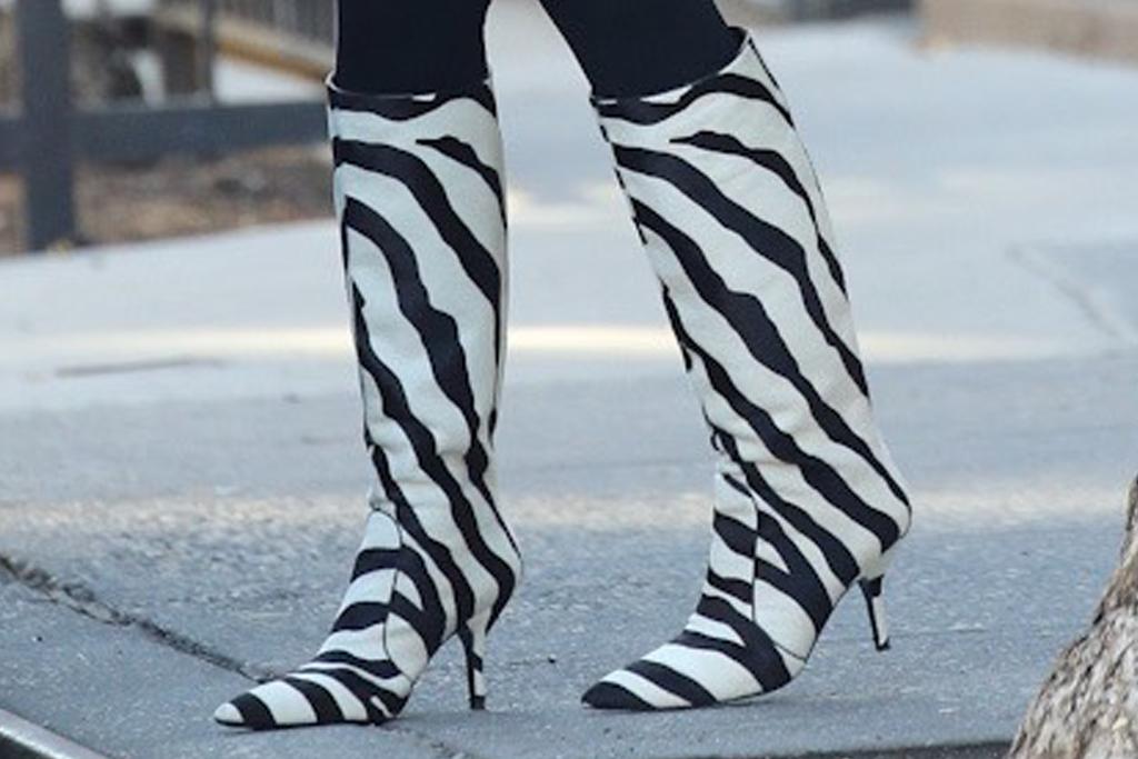 irina shayk, leggings, blazer, boots, zebra, jacket, coat, new york, daughter, walk, bradley cooper