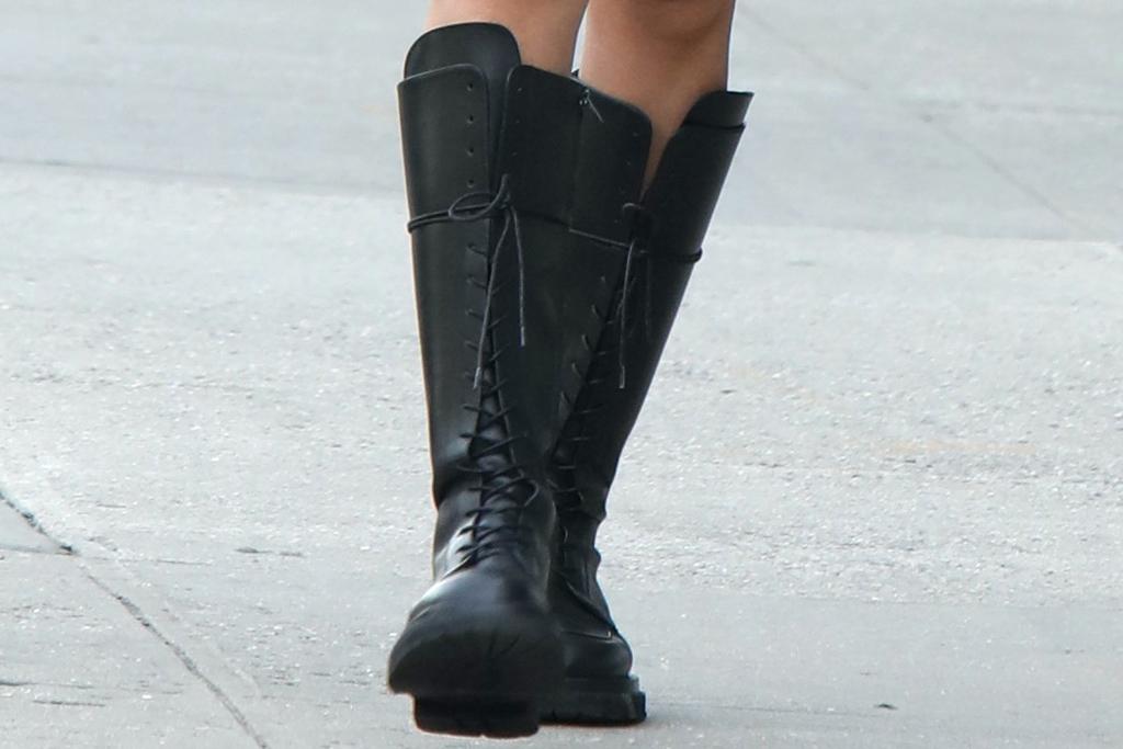 irina shayk, skirt, blazer, plaid, clueless, comabt boots, knee-high boots, daughter, new york