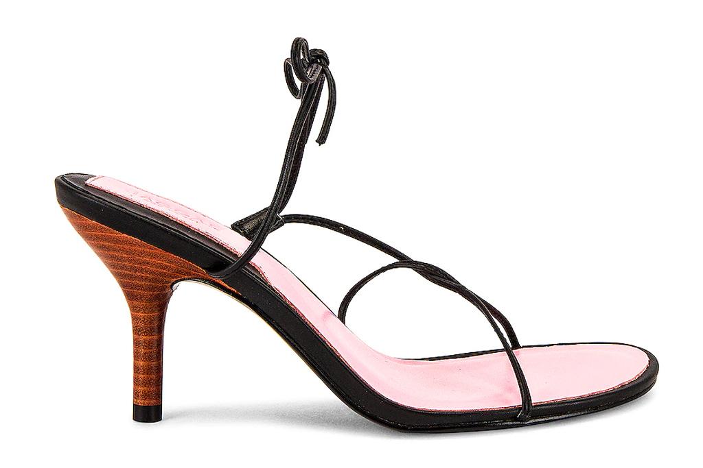 black heels, thong toe, jaggard