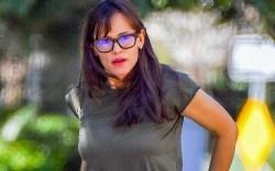 jennifer garner, la, green t-shirt, glasses,