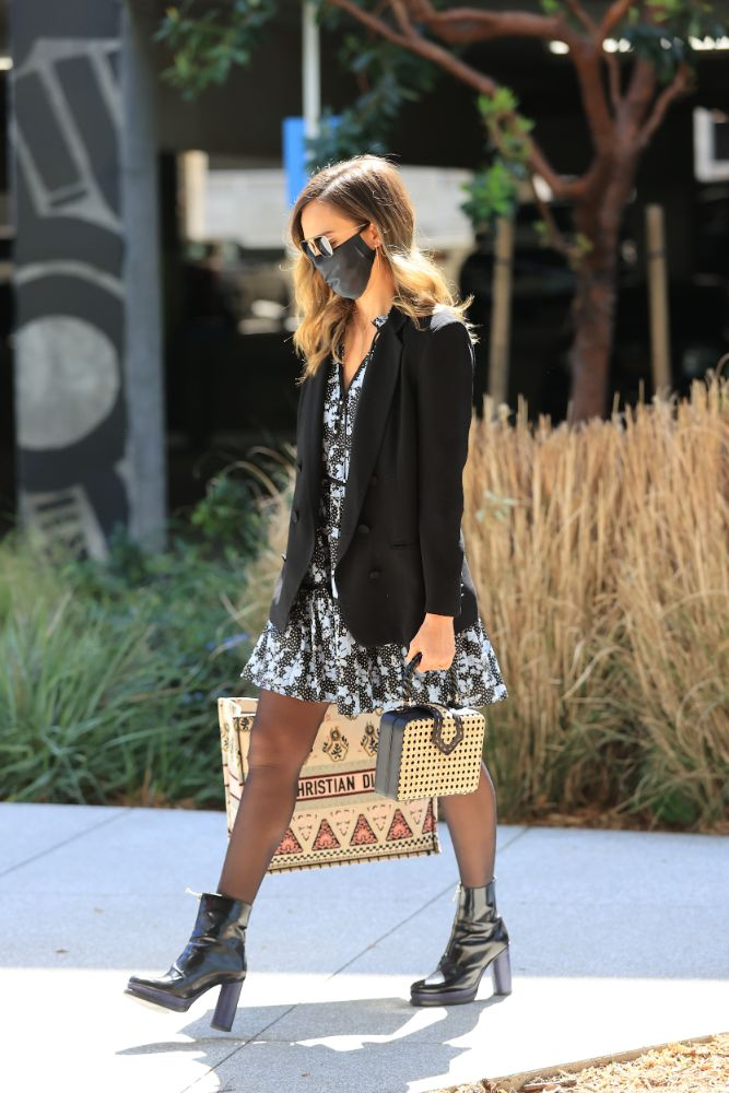 jessica alba, blazer, dress, floral dress, tights, boots, platforms, purse, dior, honest company, hq, los angeles, office