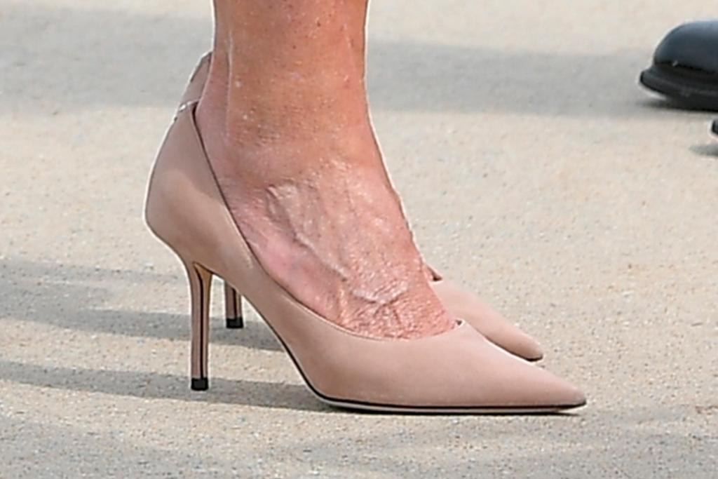 jill biden, dress, hot pink, coat, heels, pumps, pearls, new mexico, arizona, vaccination
