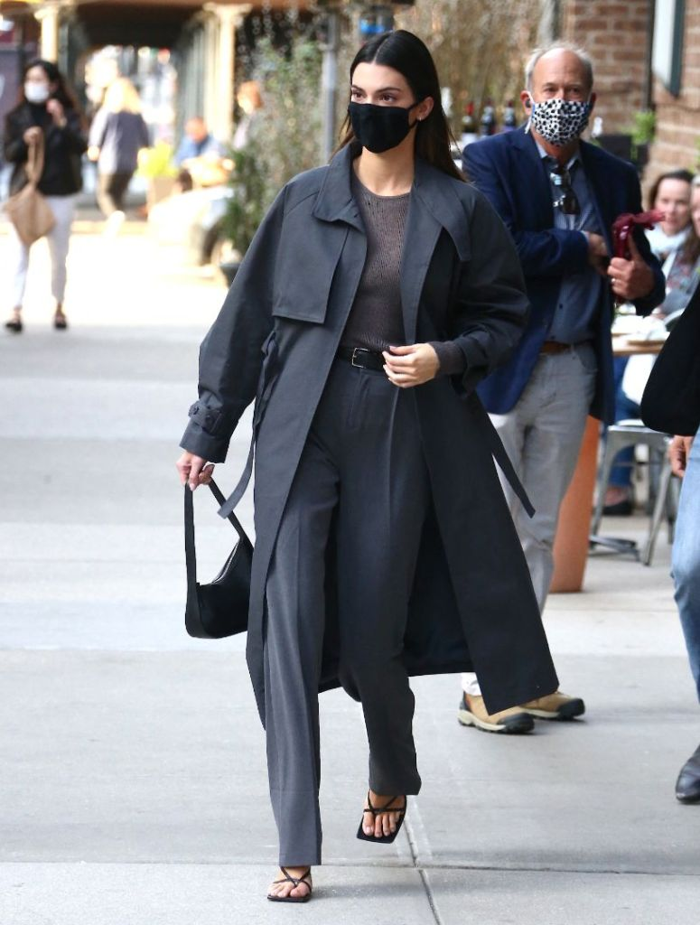 kendall jenner, pants, sweater, coat, top, purse, skims, face mask, thong sandals, heels, thong, bottega veneta, ny
