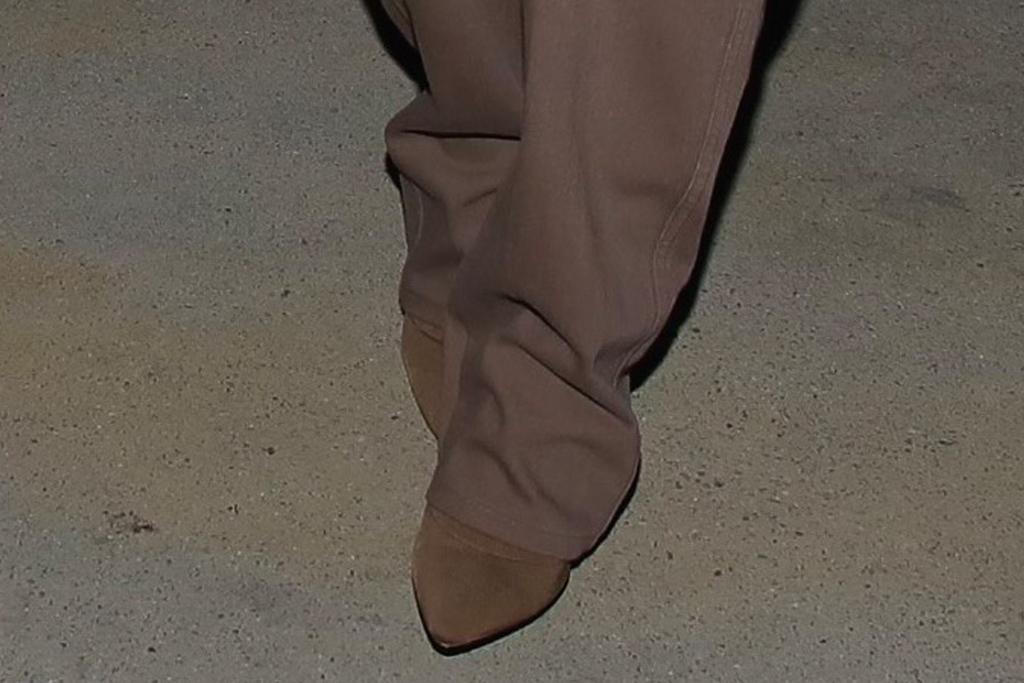 kim kardashian, pants, boots, cutout shirt, jeans, dinner, date, la, billionaire