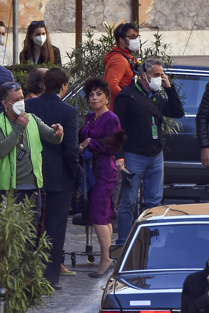 Lady Gaga, Purple Dress, Black Heels, House of Gucci