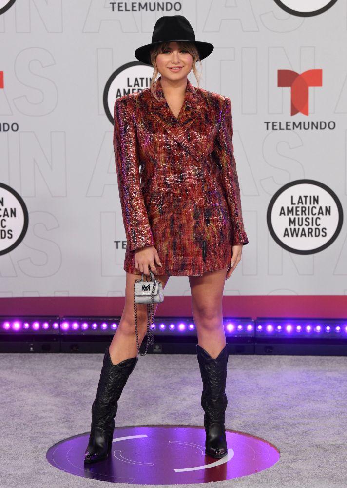 ana barbara, dress, gown, latin american music awards, latin amas, heels, gown, singer, red carpet, age