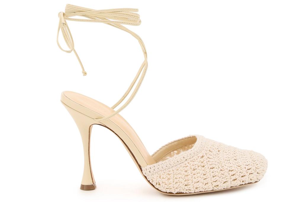 magda butrym, crochet, heels, pumps,