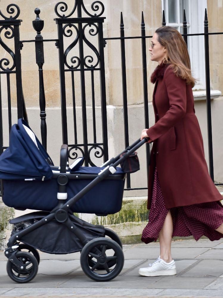 pippa middleton, dress, polka dot, coat, sneakers, daughter, grace, baby, london, walk