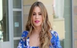 Sofia Vergara, Floral Top, Jeans, Platform