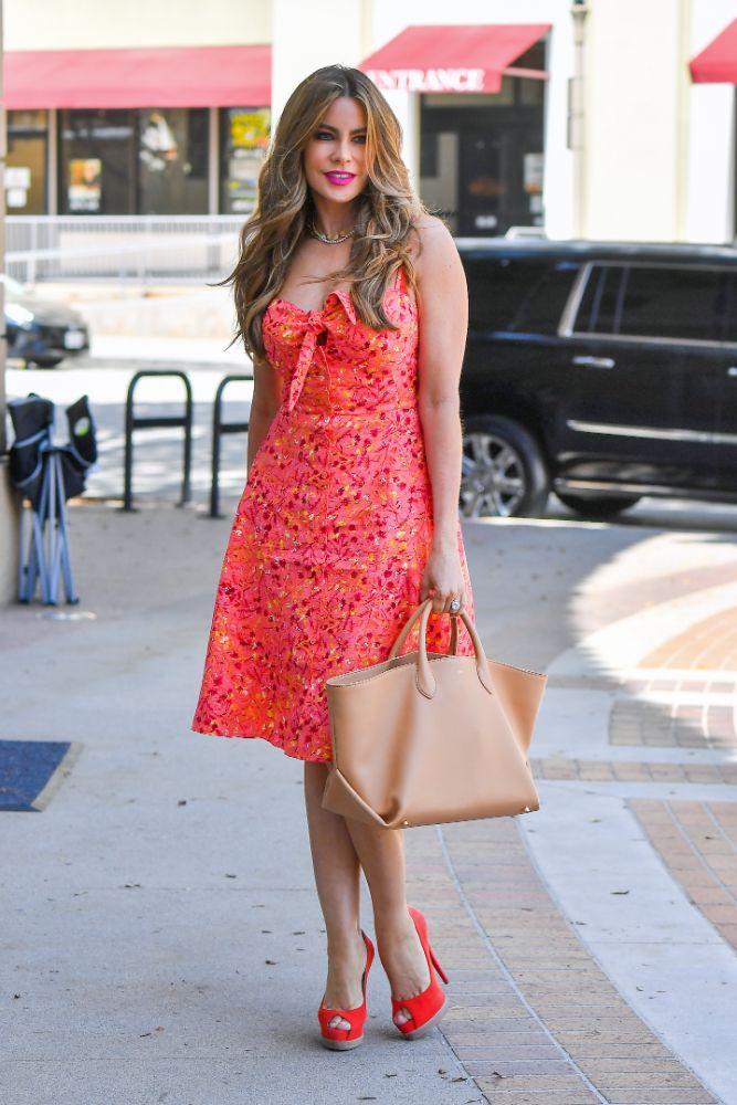 sofia vergara, dress, floral, heels, orange, agt, set, la