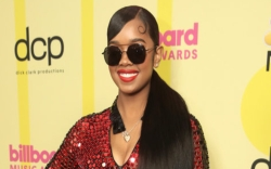 H.E.R., red jumpsuit, billboard music awards