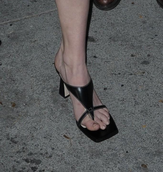 Sophie Turner, Wandler Feline sandals, thong square toe shoes, craig's, beige blazer dress, square toe sandals, black sandals, la