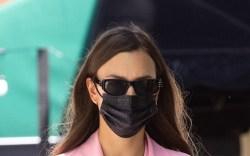 Irina Shayk, pink jacket, pink trousers,