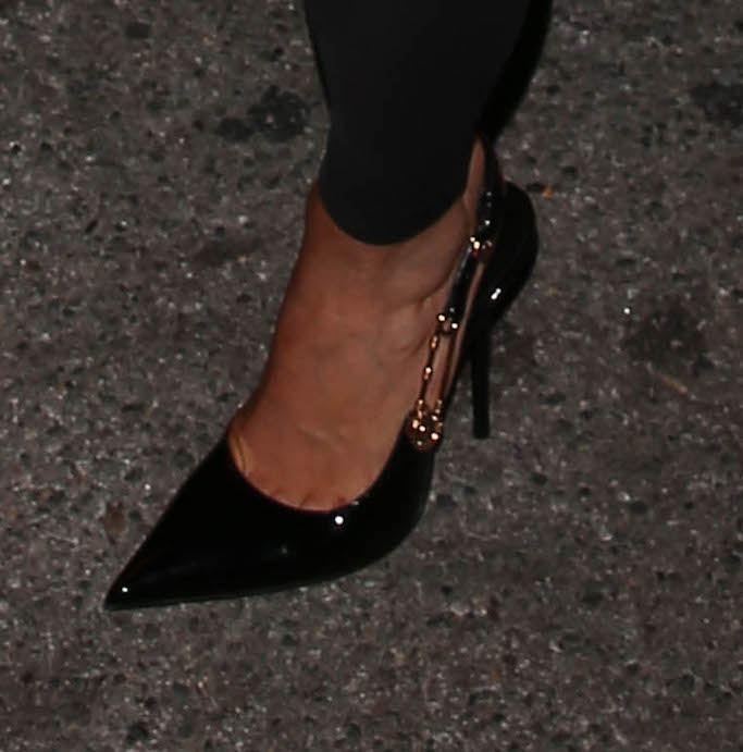 Kylie Jenner, Versace, Kendall Jenner 818