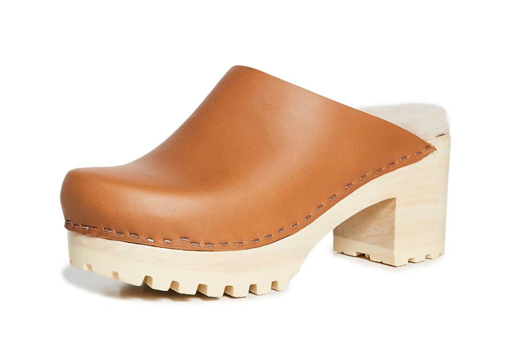 clogs, clog shoes, how to wear clogs, clog shoe trend, spring 2021 fashion trends, spring 2021 trends, trends, fashion, shoes, no. 6 clogs
