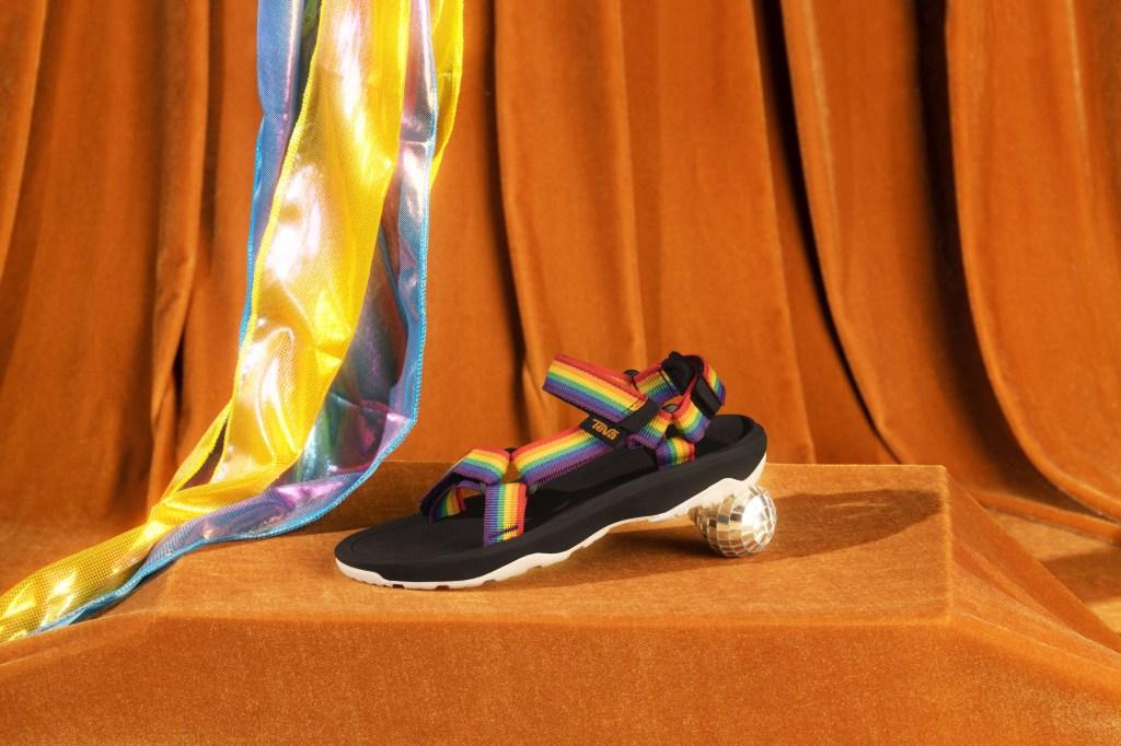 Teva Kid's HurricaneXLT2, pride sandals 2021, rainbow
