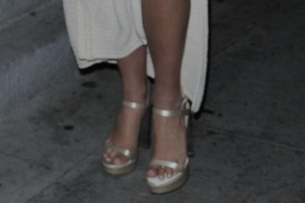 addison rae, cutout dress, crochet dress, knit, platforms, heels, sandals, dinner, date, la