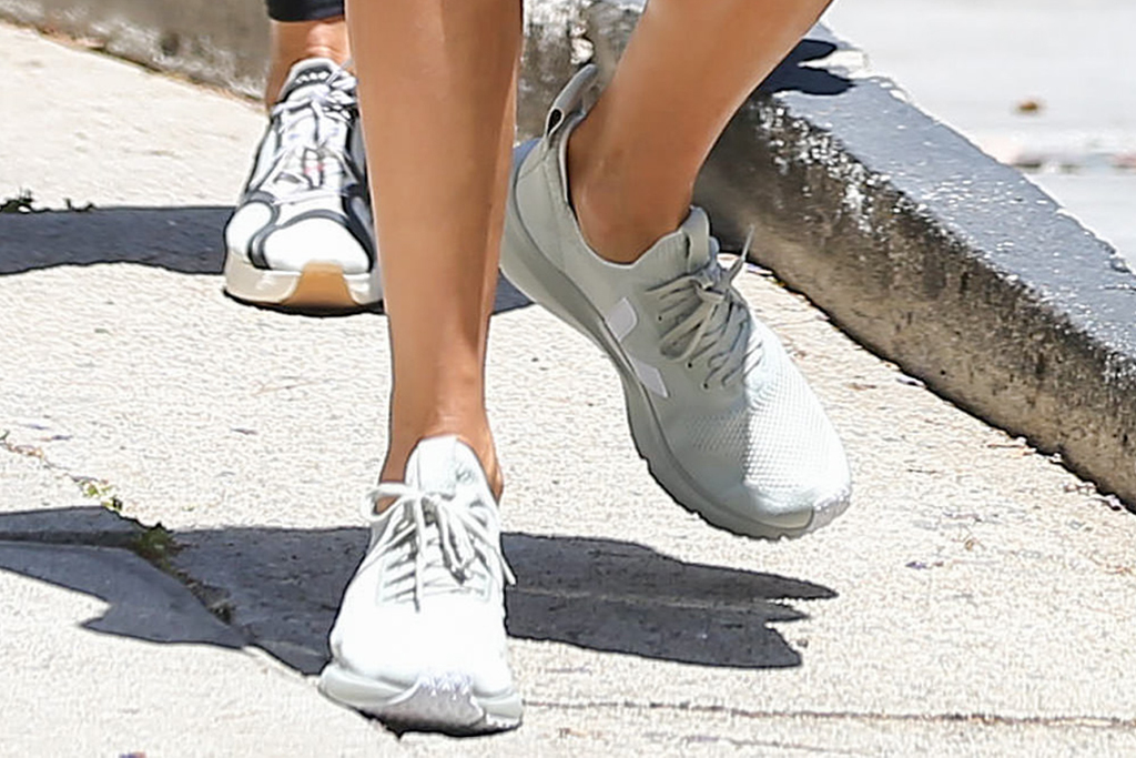 alessandra ambrosio, sports bra, shorts, gym, workout, la, rick owens, veja, sneakers, silver