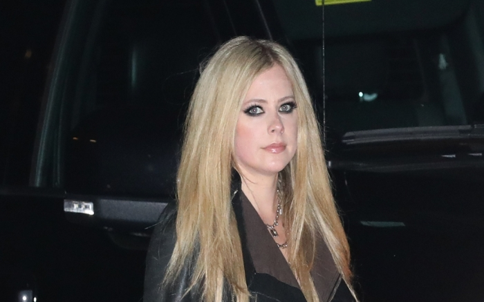 avril-lavigne-may-2-feature