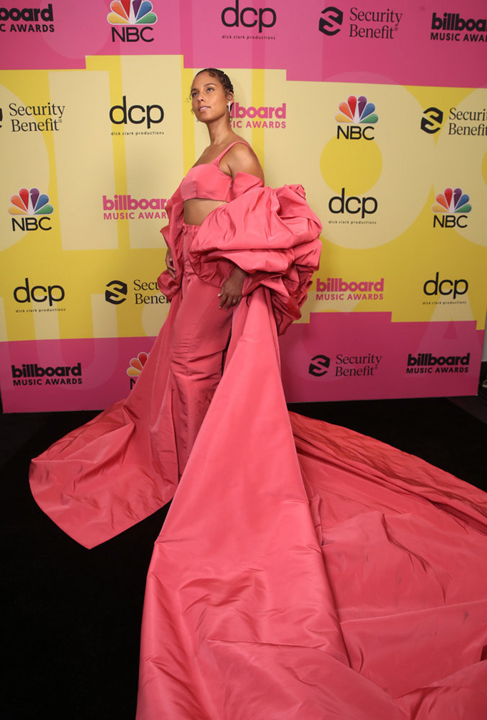2021 BILLBOARD MUSIC AWARDS -- Pictured: In this image released on May 23, Alicia Keys arrives to the 2021 Billboard Music Awards held at the Microsoft Theater on May 23, 2021 in Los Angeles, California. -- (Photo by: Todd Williamson/NBC)
