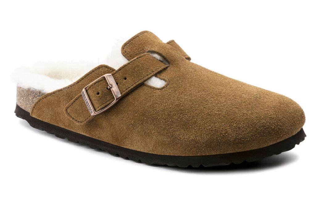 clogs, clog shoes, how to wear clogs, clog shoe trend, spring 2021 fashion trends, spring 2021 trends, trends, fashion, shoes, birkenstock, birkenstock shoes, birkenstock boston, birkenstock clogs