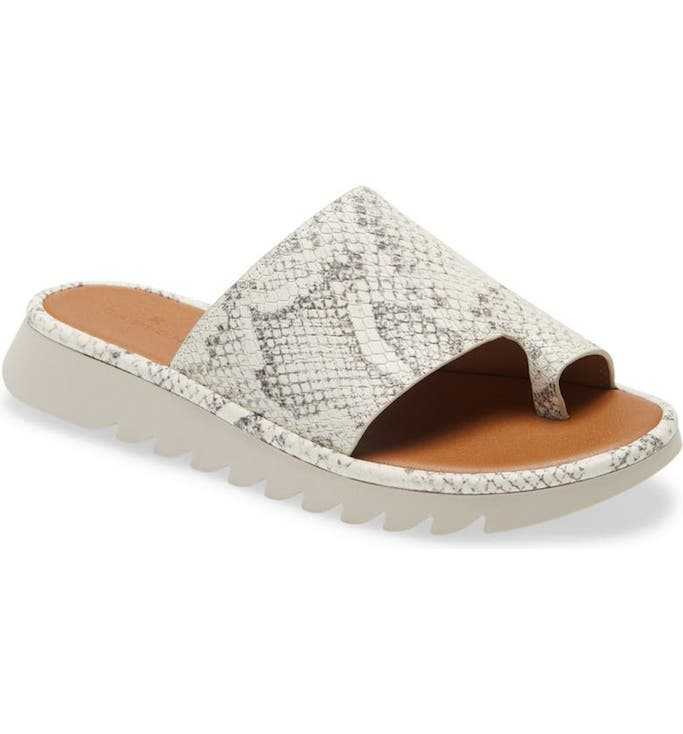 calson toe loop sandal, best travel shoes for women