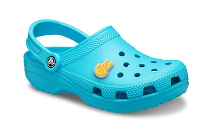 crocs, donating free pairs, health care workers