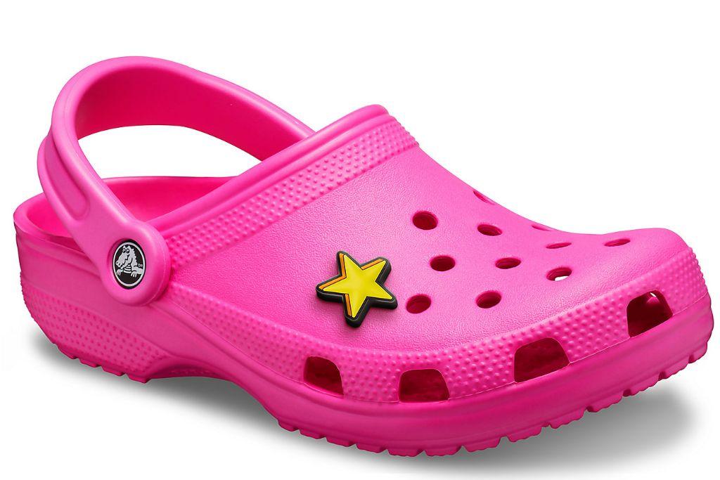 clogs, clog shoes, how to wear clogs, clog shoe trend, spring 2021 fashion trends, spring 2021 trends, trends, fashion, shoes, crocs, crocs clogs, nicki minaj pink crocs, pink crocs
