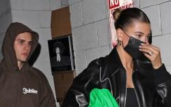 hailey baldwin, crop top, leather jacket,