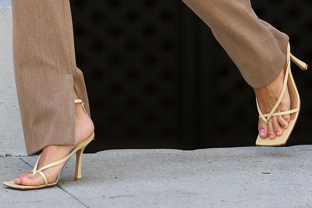 hailey baldwin, crop top, pants, high waisted, purse, thong, sandals, heels, bottega veneta, orange, la