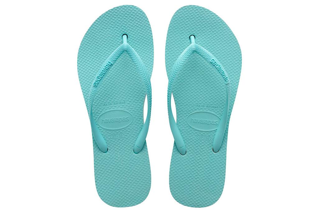 blue flip flops, havaianas