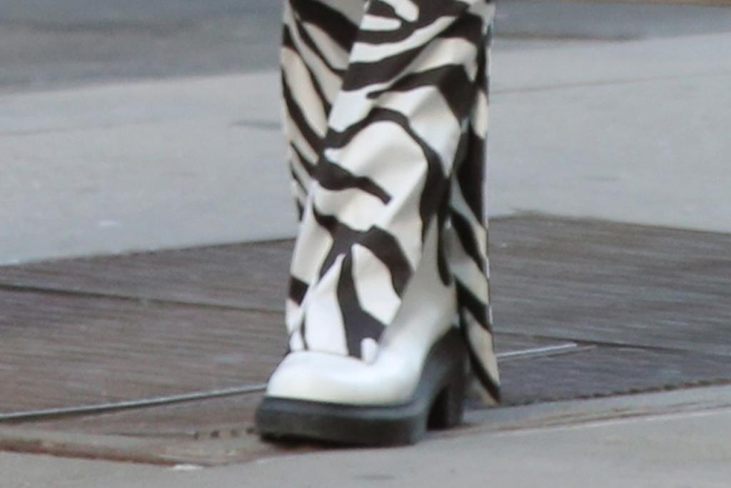 irina shayk, crop top, coat, pants, zebra, daughter, lea, bradley cooper, ny