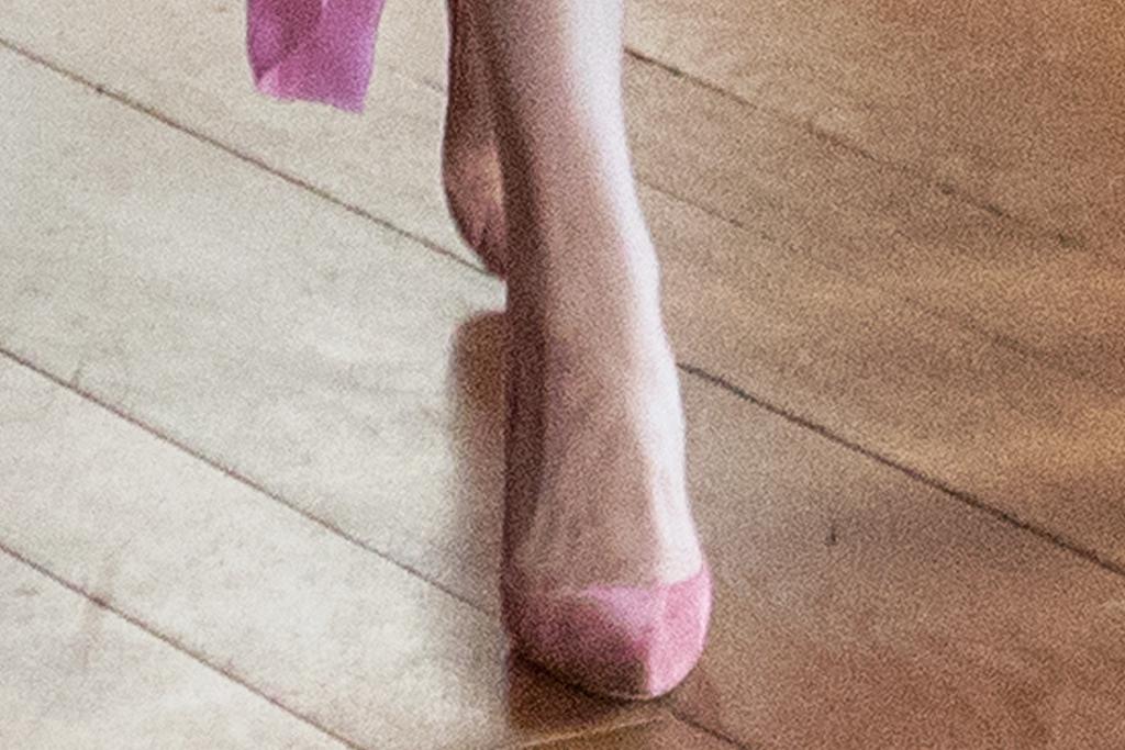 kate middleton, pink dress, pleated, shirtdress, collared, pink heels, pumps, edinburgh, mila