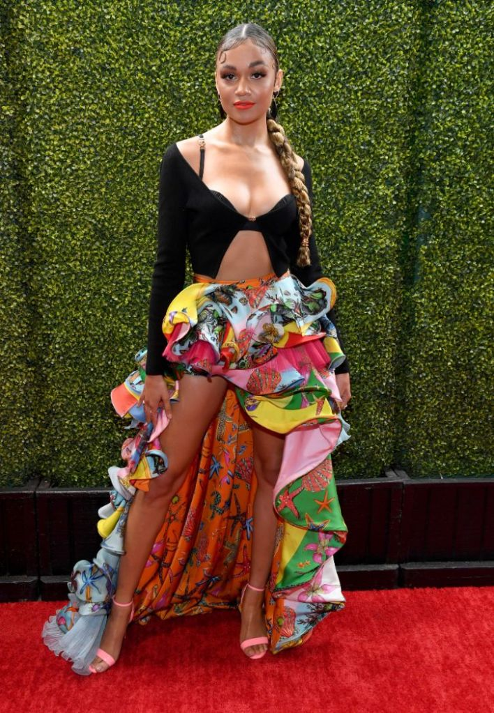 mtv movie, tv awards, red carpet, madison bailey, outer banks