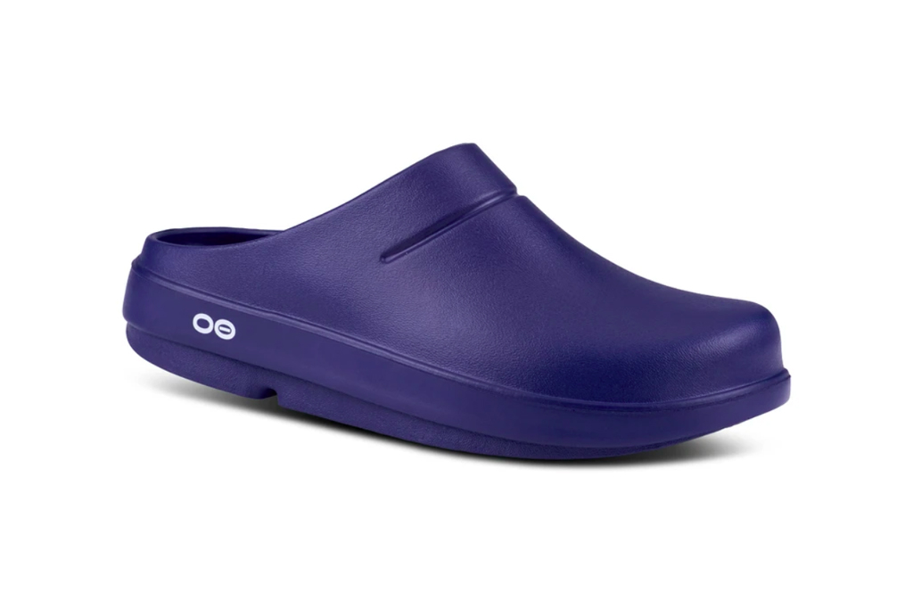 oofos-nurse-clog