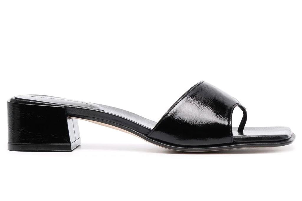 black sandals, thong, square, paloma wool