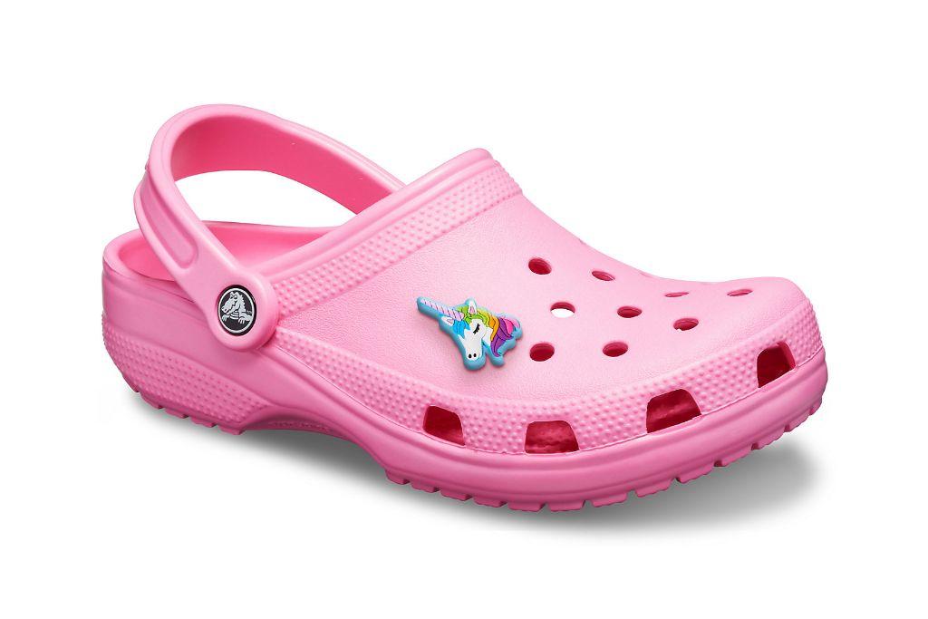 crocs, pink crocs, pink clogs, nicki minaj