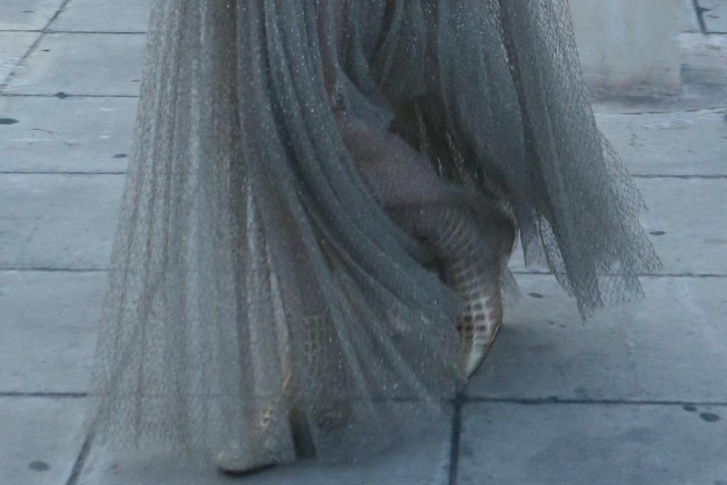Anya Taylor-Joy, Dior, sandals