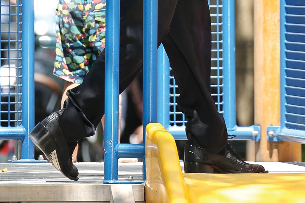 Irina Shayk, boots