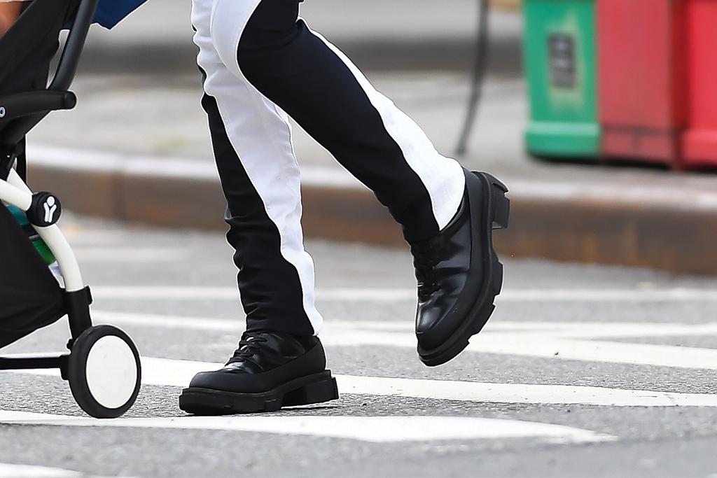 Irina Shayk, combat boots