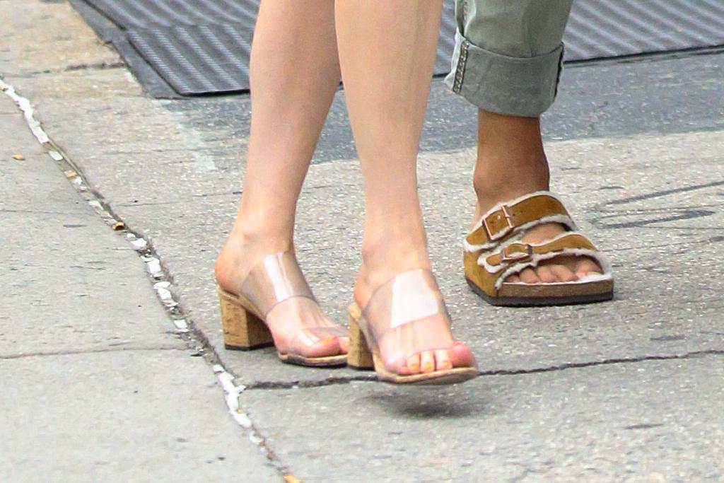 Kacey Musgraves, Schutz, sandals