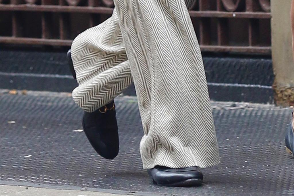 Karlie Kloss, loafers, gucci, jordaan