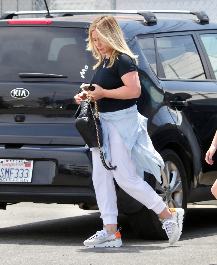 Hilary Duff, gym, sneakers